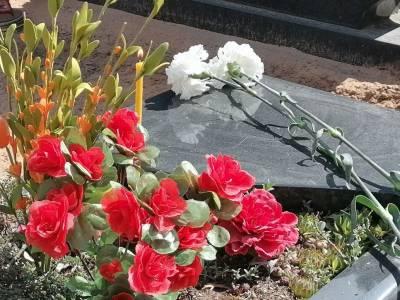На Радаўніцу беларусы наведваюць могілкі і памінаюць продкаў
